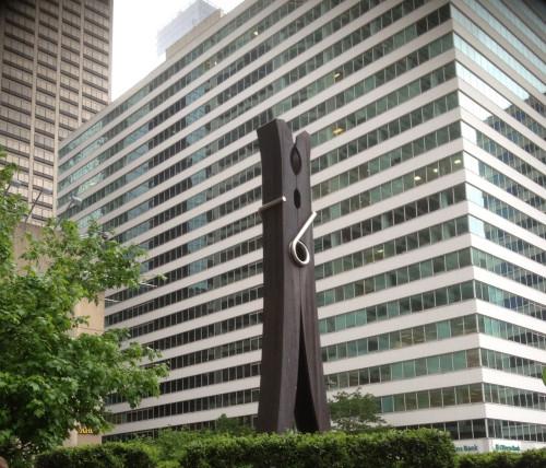 clothespin-statue-philadelphia
